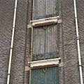 Detail van houten luiken voor het innemen en uitladen van goederen - Rotterdam - 20371585 - RCE.jpg
