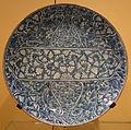 Dish imitating the Kangxi style, Iran, Mashad, late 17th century, underglaze-painted stonepaste - Royal Ontario Museum - DSC04693.JPG