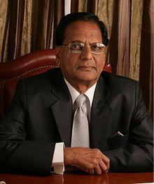 https://upload.wikimedia.org/wikipedia/commons/thumb/6/68/Dr.AnjiReddy.jpg/220px-Dr.AnjiReddy.jpg