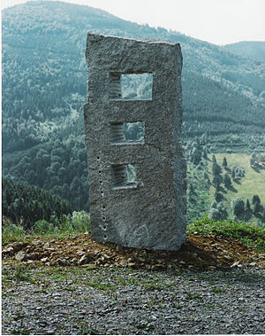 """Elzach - Granite sculpture: """"The three stages of seeing"""" (2002) by Dieter Oehm, in Elzach"""