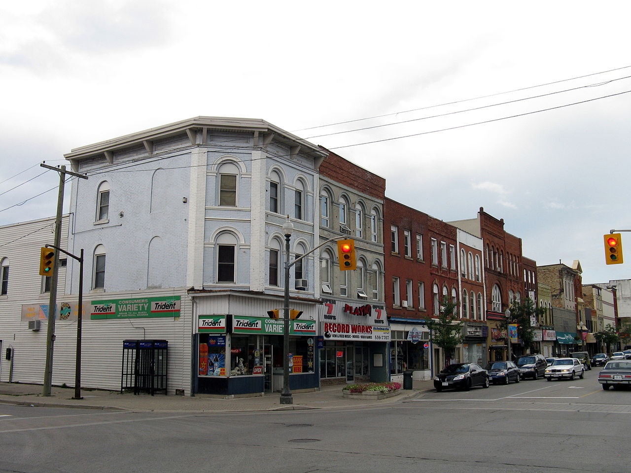File:Dundas Street Woodstock Ontario 2 jpg - Wikimedia Commons