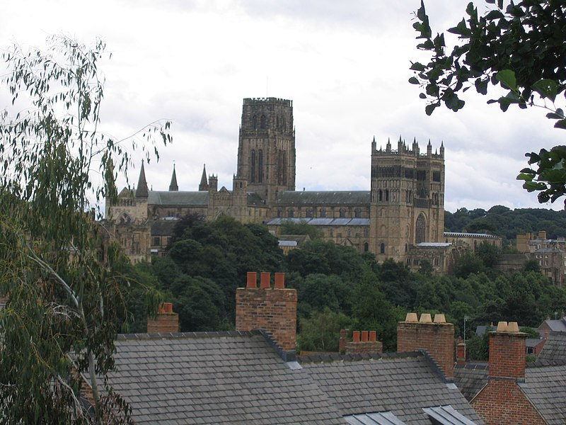 Once you have used 1stMovers' Durham to Edinburgh removals service you may miss Durham Cathedral, but you can see St Giles! Once you have used 1stMovers' Edinburgh to Durham removals service you may miss St Giles Kirk, but you can see Durham Cathedral!