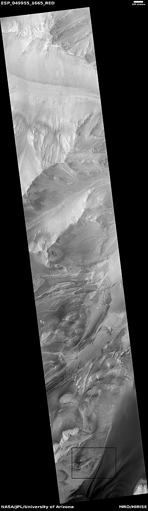 Seasonal flows on warm Martian slopes - Image: ESP 049955 1665rslbox