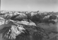 ETH-BIB-Davoser und Engadiner Berge, Blick nach Südosten auf Piz Kesch-LBS H1-018055.tif