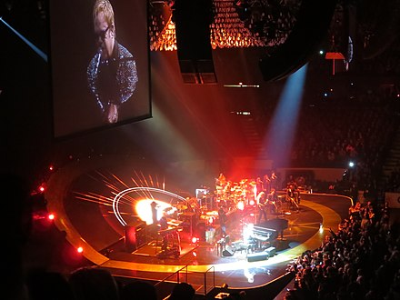 Elton John performing at the Allstate Arena, Chicago in November 2013 Elton John @ Allstate Arena, Chicago 11-30-2013 (11261271533).jpg