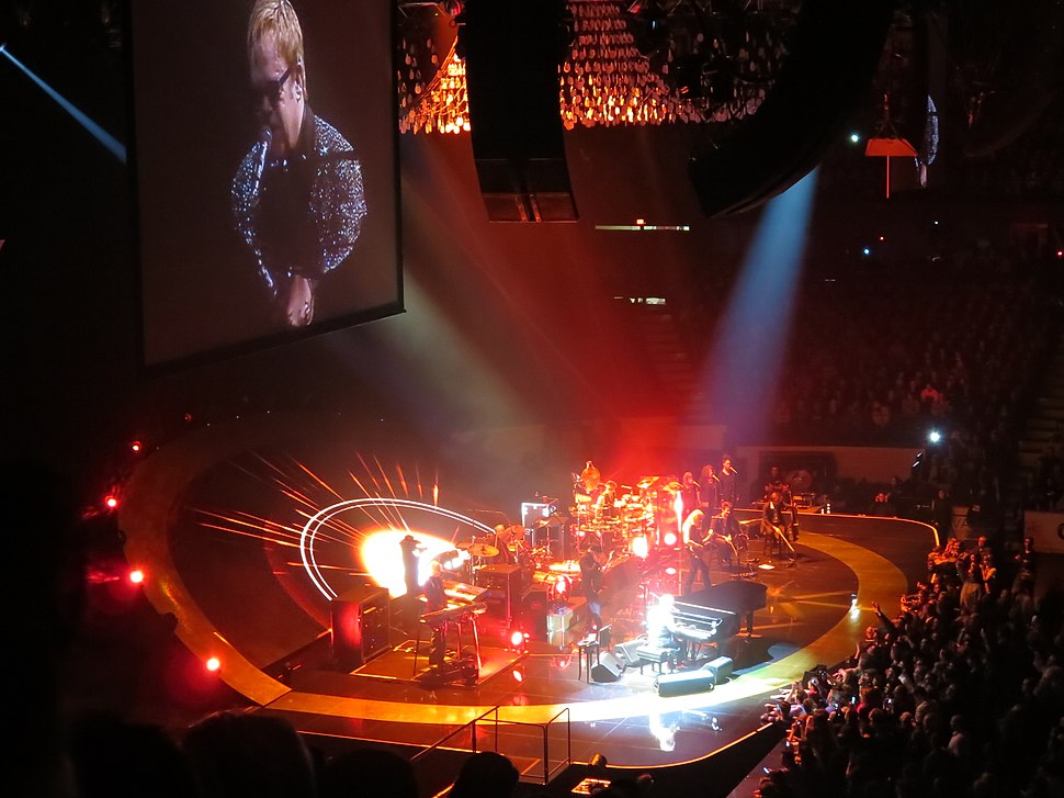 Elton John @ Allstate Arena, Chicago 11-30-2013 (11261271533)