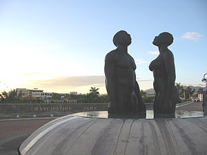 킹스턴: Emancipation Park-Statues-1