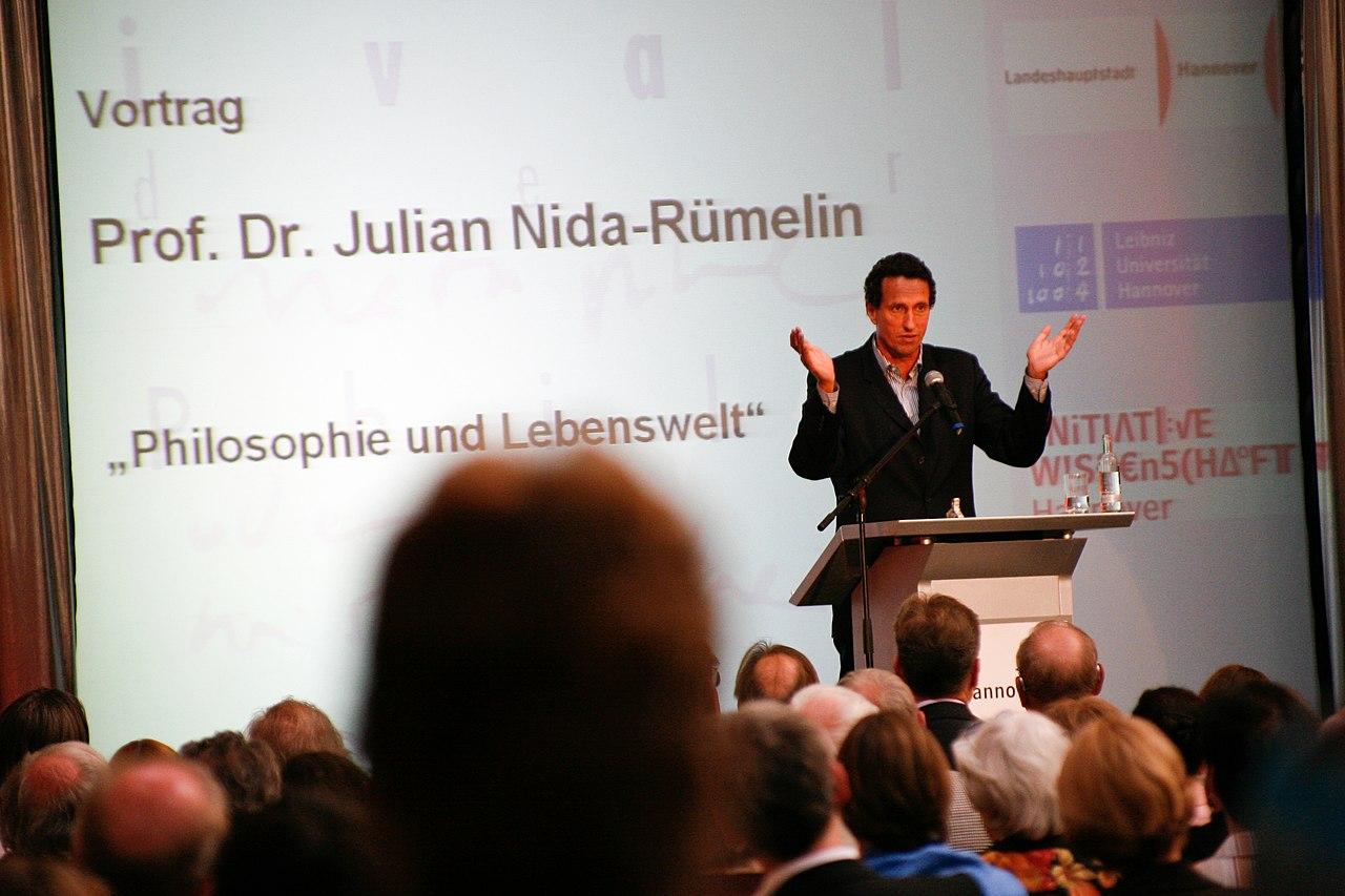 Eröffnung des 1. Festivals der Philosophie mit Prof. Julian Nida-Rümelin.jpg