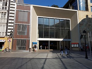 Zazpikaleak/Casco Viejo station