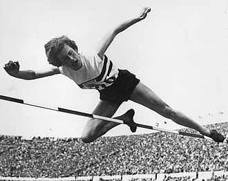 Esther Brand - Esther Brand at the 1952 Olympics