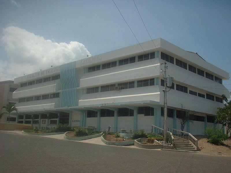 Facultad Medicina ULEAM.JPG