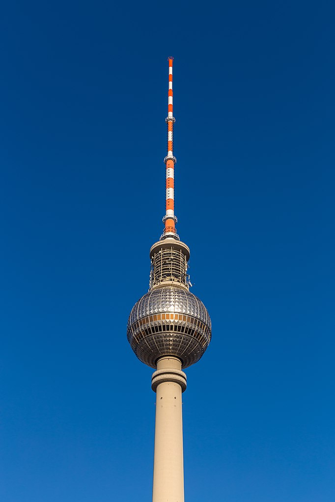 file fernsehturm berlin 160213 travel guide at wikivoyage. Black Bedroom Furniture Sets. Home Design Ideas