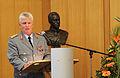Festakt und Buchpräsentation zum 100.Geburtstag von General Ulrich de Maizière (6926368367).jpg