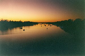 Fitzroy River (Queensland) - Dawn breaks on the Fitzroy River as it passes through Rockhampton