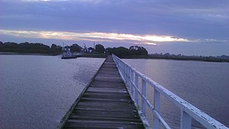 McLoughlins Beach, Victoria - Image: Footbridge Mc Loughlins Beach Victoria