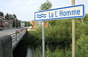 Lomme (river) - A bridge over the Lomme in the town of Forrières