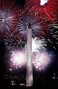 Fourth of July fireworks behind the Washington Monument, 1986.jpg
