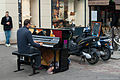 Free piano, Paris June 2013.jpg