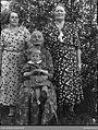 Fyra generationer . Halvars Ingeborg Larsson, Emma Larsson, Lydia Larsson, Aina Johansson - Nordiska museet - NMA.0041271.jpg