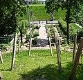 Garten vor der evangelischen Kirche - panoramio.jpg