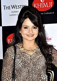 Giaa Manek at the launch of Telly Calendar 2014.jpg