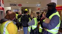 File:Gilets jaune- HSBC - le Mans 03 01 2019.webm