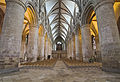 Gloucester Cathedral (12644108684).jpg