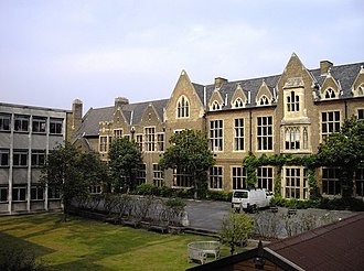 Godolphin and Latymer School - Image: Godolphin and Latymer School geograph.org.uk 1496849