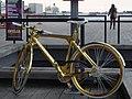 Gold bicycle Skuespilhuset 117904.jpg
