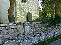 Gotland-Bunge kyrka Wehrmauer.jpg