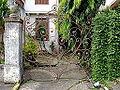 Gov. Natalio Enriquez house gate.JPG