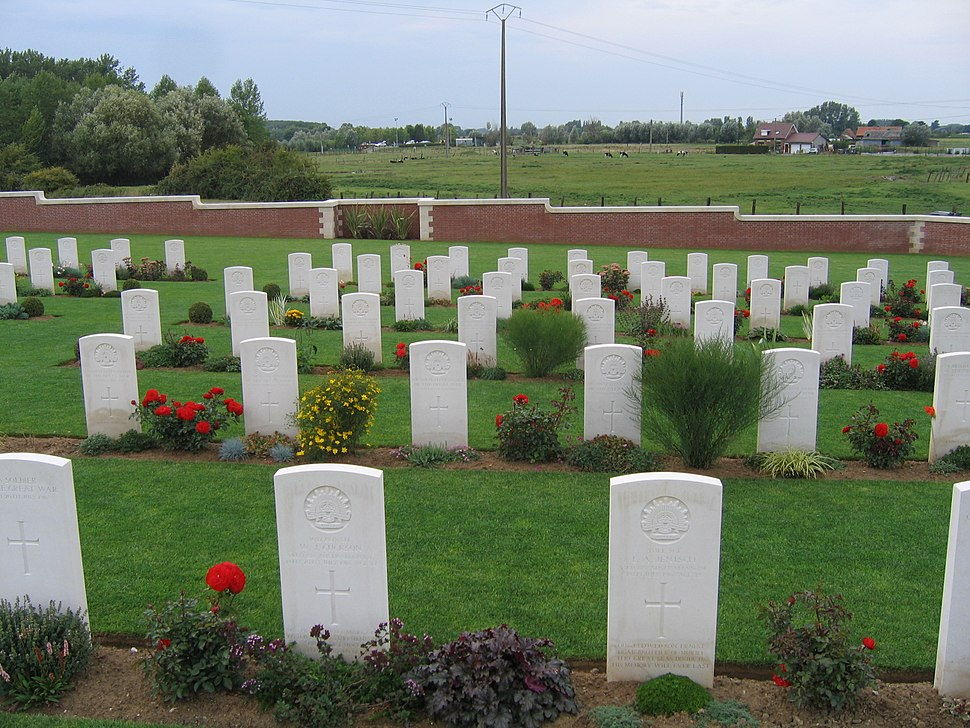 Graves at Fromelles (Pheasant Wood) Miltary Cemetery