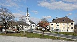 Gschwandt bei Gmunden - Ortszentrum.JPG