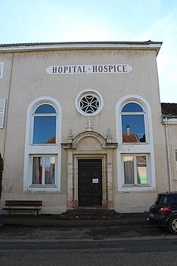 Hôpital Hospice Bâgé Châtel 8.jpg