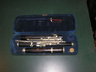 Western concert flute - An early keyed H.F. Meyer all-wood construction flute in case