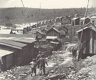 Battle of Evarts - Kids walking there way through town