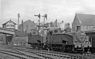 GNR Class J23 - J50/1 No. 68896 leading J50/3 No. 68975 at Harringay 9 April 1960.