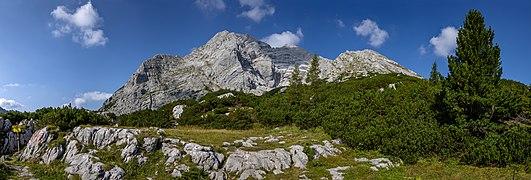 Hochtor from Hesshütte, Ennstal Alps, Austria.jpg