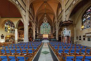 Holy Trinity, Sloane Street - Image: Holy Trinity Sloane Street Church Nave 2 Diliff