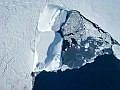 Iceberg and sea ice (26376300388).jpg