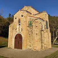 Iglesia de San Miguel de Lillo, Oviedo (2018).jpg