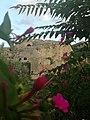 Il castello tra I fiori.jpg