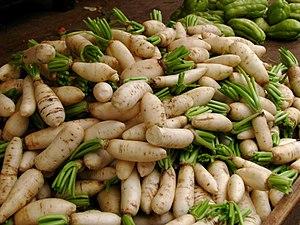 Daikon - Image: India Koyambedu Market Radishes 01 (3986302317)