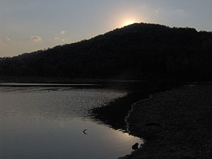 Indian-mountain-lake-tn1.jpg