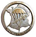 Insigne de béret du bataillon de choc.jpg