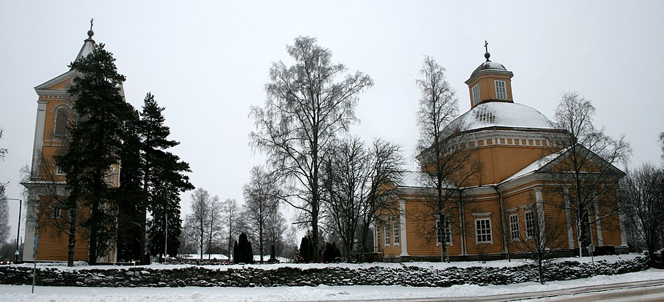 Isojoen kirkko ja kellotapuli
