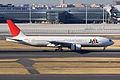 JAL B777-200(JA009D) (4299659333).jpg