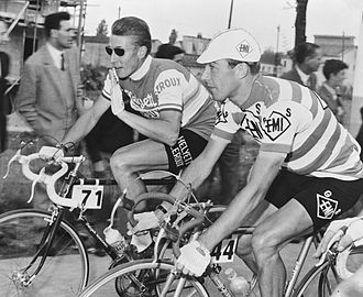 Glossary of cycling - Cyclist Jacques Anquetil speaking to fellow rider Charly Gaul