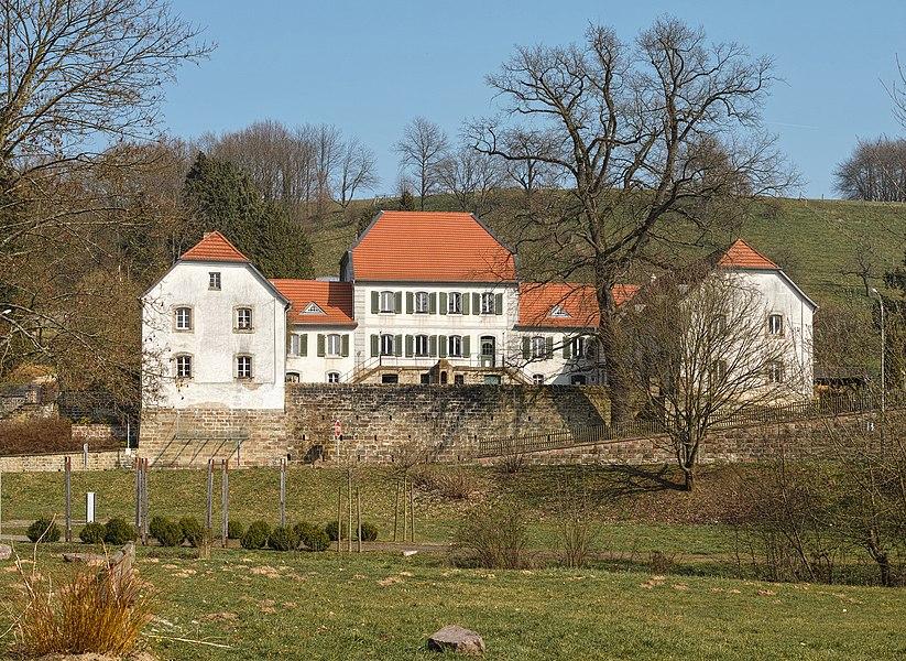 Das 1769 erbaute Jagdschloss Karlsbrunn.