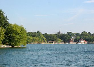 Olmsted Park - Image: Jamaica pond 3